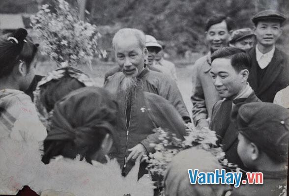 Tinh thần thép trong tập thơ Nhật Ký Trong Tù của Hồ Chí Minh