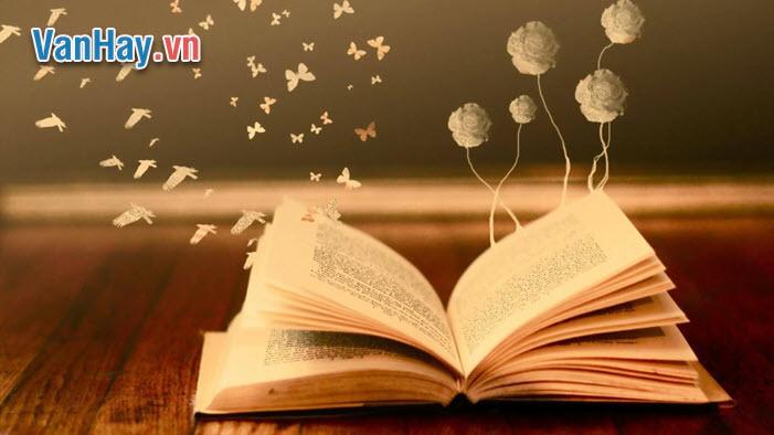 """""""Nhà văn phải là người sống sâu với cuộc đời do đó hết sức nhạy cảm...đó là sự tưởng tượng và những kĩ năng sáng tạo"""". Bình luận ý kiến trên."""