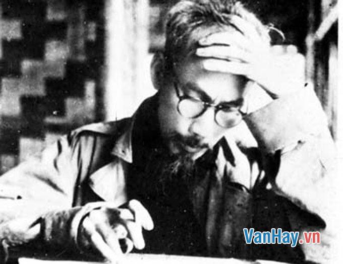 Tình và thép trong Nhật kí trong tù của Hồ Chí Minh qua những bài thơ đã học và đọc thêm ở Nhật kí trong tù